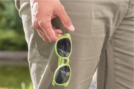 solglas ögon med tryck